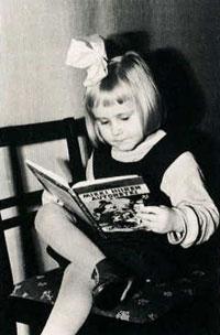 Enchanted: a young reader. Photo: Kalervo Lehtonen (ca 1956)